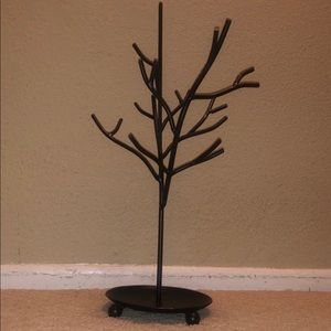 Black Metal Jewelry Tree